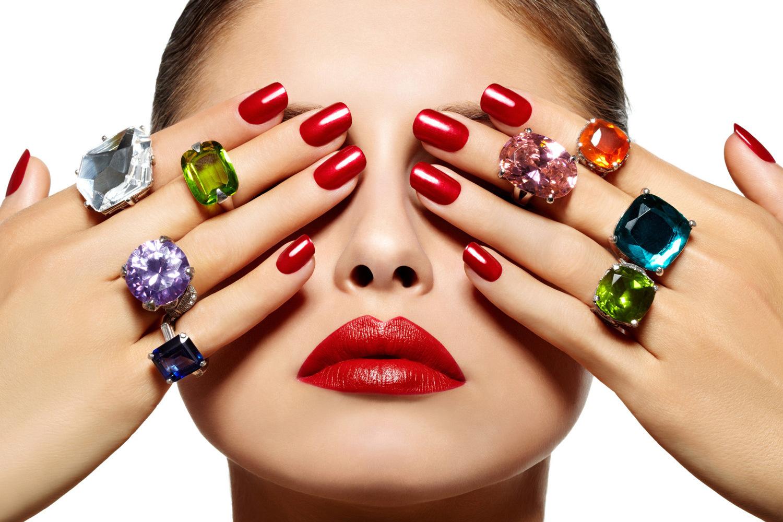 Llevar las uñas perfectas es casi una obligación para cualquier