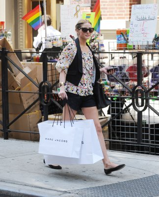 Olivia Palermo shopping hermes bag spl96947_007